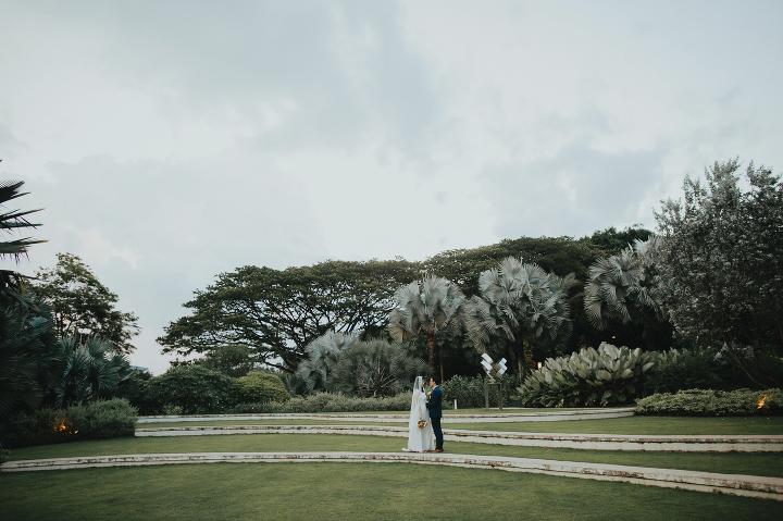 Wedding photography Vineyard Hortpark intimate wedding