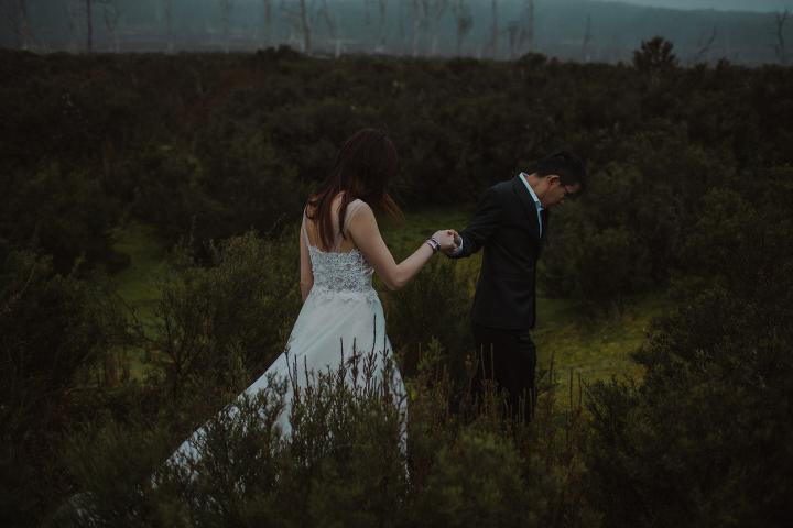 Tasmania Wedding Photographer - Cradle Mountain Engagement Session-3