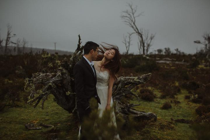 Tasmania Wedding Photographer - Cradle Mountain Engagement Session-4